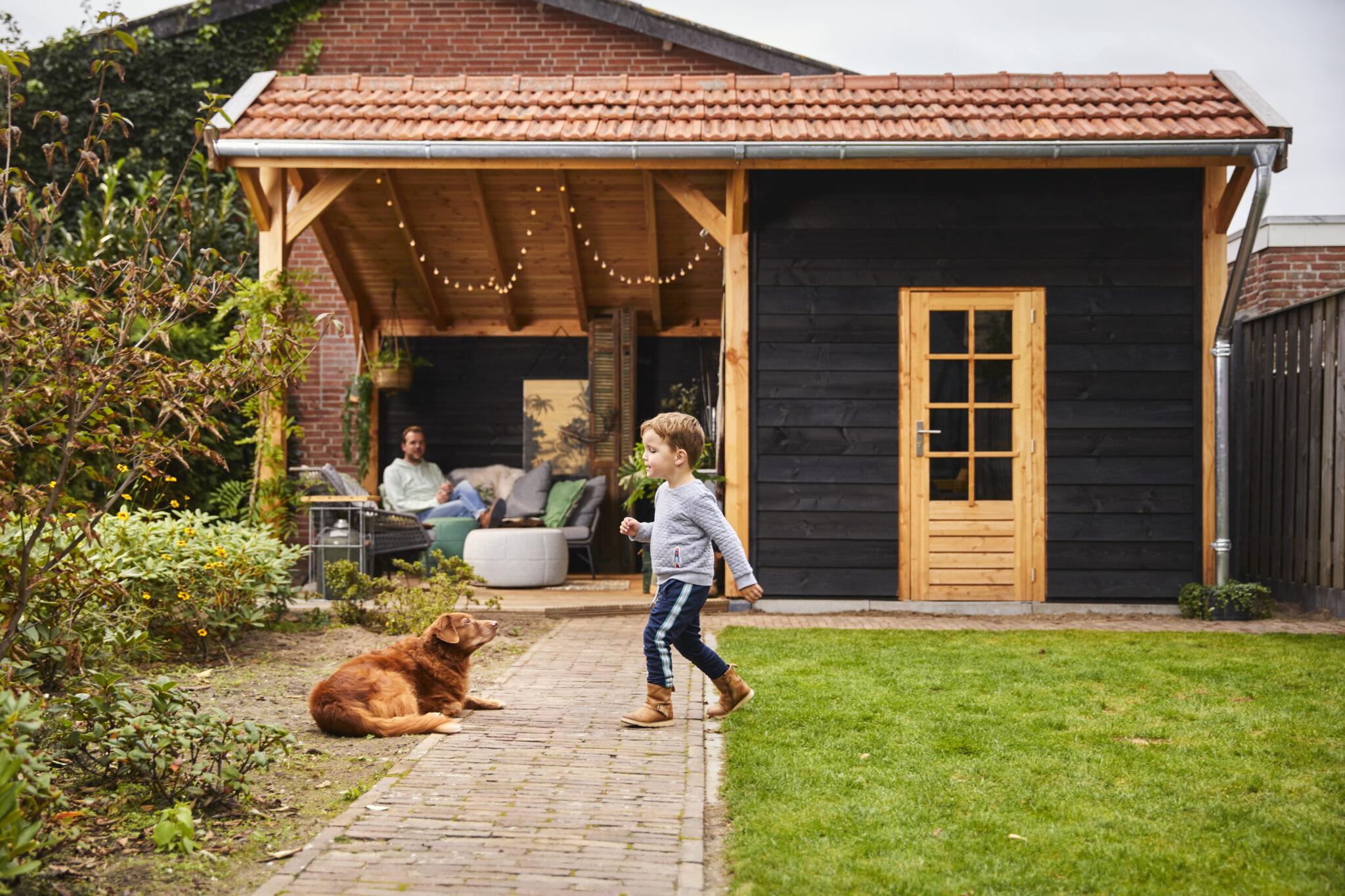 De kapschuur: woonkamer in de tuin